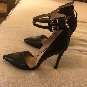 Guess sz 6/6-1/2 heels